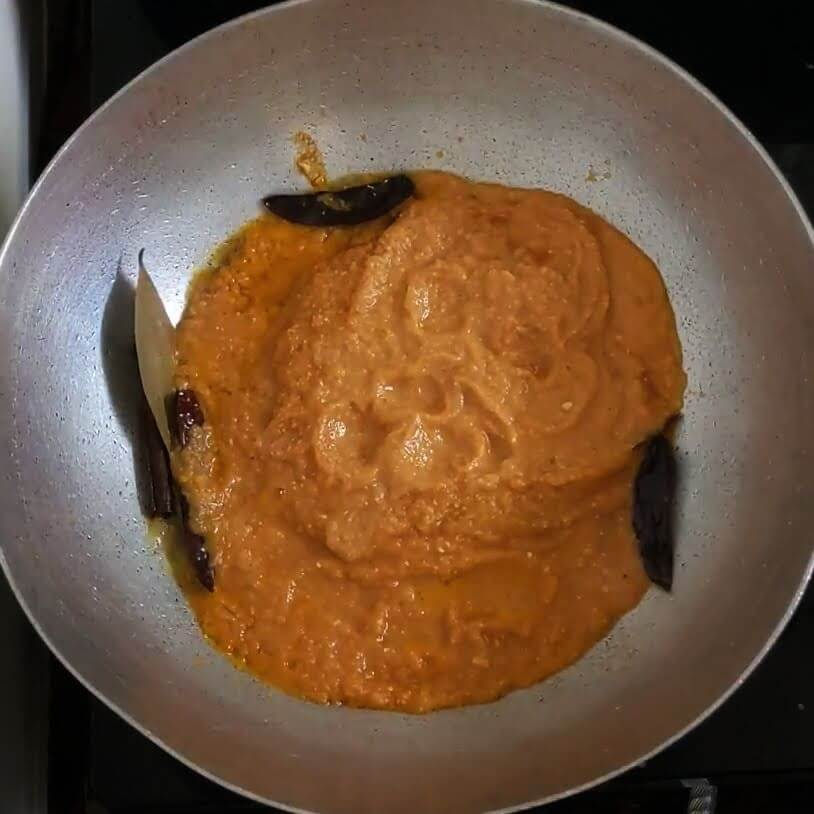 Butter Egg Curry | Egg Makhani | How to make Buttery Egg Masala Curry - Add puree